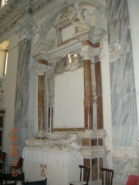 Interno di chiesetta in Via San Marciano