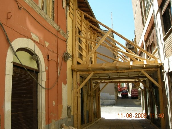 Tra via Sallustio e piazza Palazzo