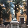 L'AQUILA: VANDALI IN CENTRO, DIVELTA STATUA PIAZZA IX MARTIRI