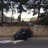 L'AQUILA: 'VOLA' CON L'AUTO DA VIA ACQUASANTA A VIA PANELLA, CONDUCENTE MIRACOLOSAMENTE ILLESO