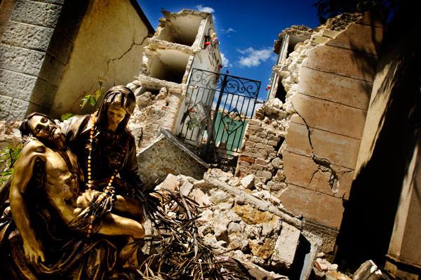 (foto: Balducci, Il Cielo Sopra Il Terremoto)