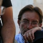 TERREMOTO: ESPOSTO CONTRO CIALENTE DA FAMILIARI VITTIME