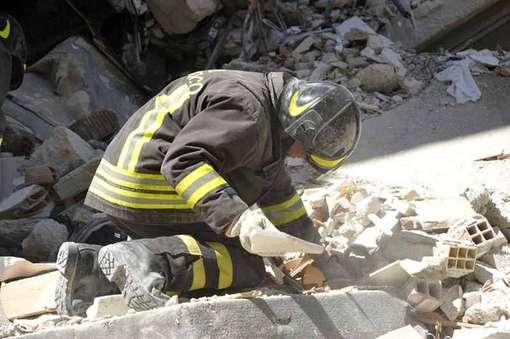 vigili-del-fuoco-terremoto-abruzzo