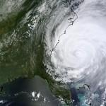 Uragano Irene: spettacolari foto e video della Nasa, le istruzioni della Farnesina