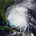"USA: uragano Irene punta verso New York. Obama, ""Preparati al peggio"""