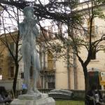 L'Aquila: circoscrizione adotta fontana e statua 9 martiri