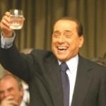 BERLUSCONI: IN ITALIA NON C'E' LA CRISI, I RISTORANTI SONO PIENI (video)