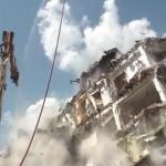 VIDEO: L'AQUILA, TRAGEDIA SFIORATA DURANTE LA DEMOLIZIONE