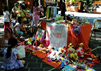 Sabato a l 39 aquila il mercatino fatto dai bambini for Mercatino usato l aquila