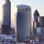 LONDRA, IL GRATTACIELO CURVO ACCECA E FONDE ASFALTO ED AUTO (FOTO E VIDEO)