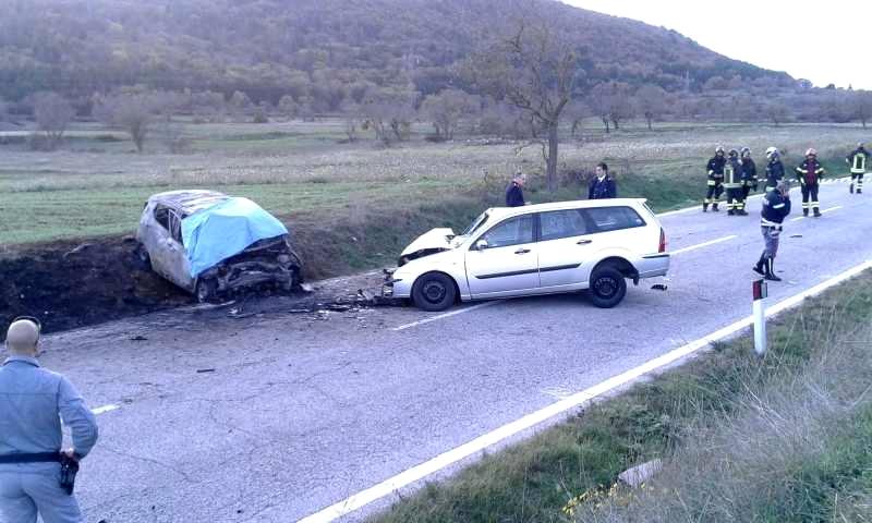 Le due auto coinvolte nello scontro (foto da AbruzzoWeb)