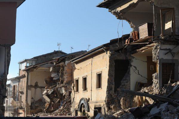 Terremoto: 3700 imprese e 5000 posti di lavoro a rischio, servono misure urgenti