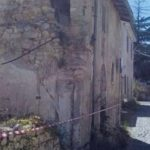 SANTA RUFINA DI ROIO (AQ): CASA DA DEMOLIRE DA 7 ANNI, 50 FAMIGLIE ISOLATE