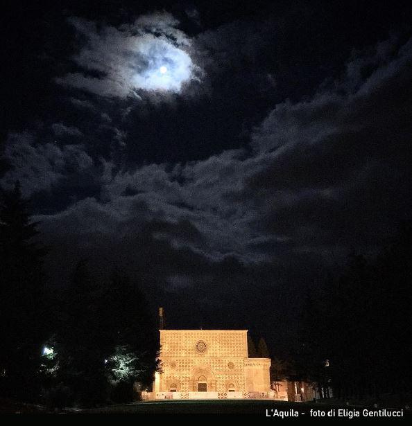 La notte della super luna: alcuni scatti dal web, realizzati in abruzzo e lazio