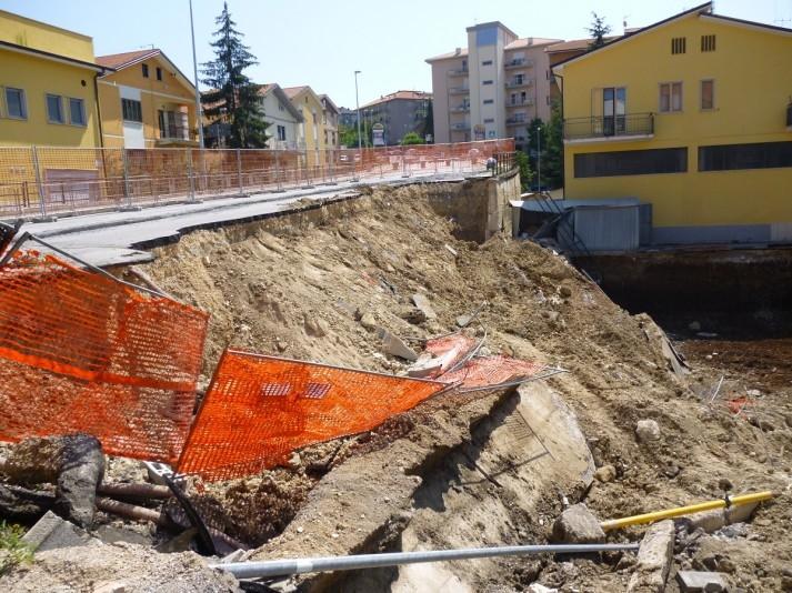 Via aldo moro: finalmente riprendono i lavori per riaprire la strada
